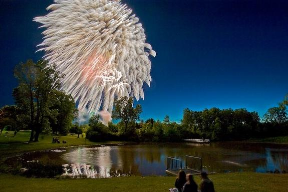165973-07-golf-fireworks_slide